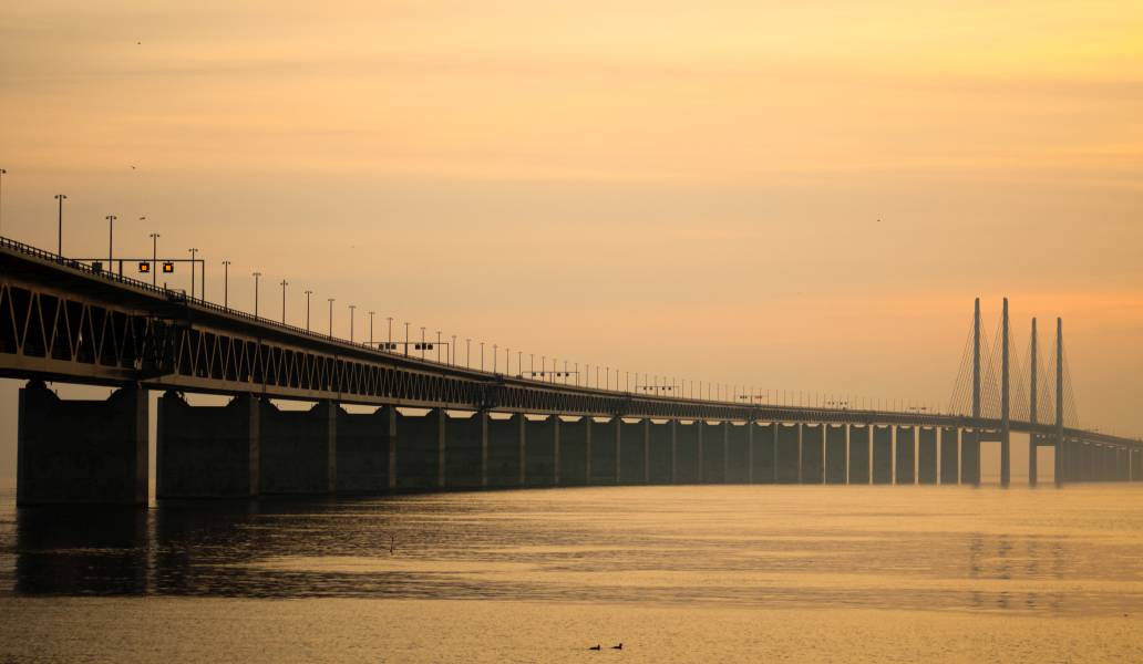 Eresundo tiltas, Švedija ir Danija